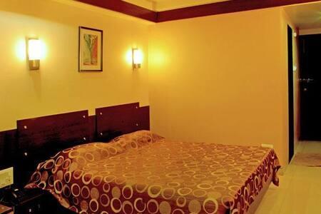 Hotel Icon Inn, Sangli Executive Room Ac