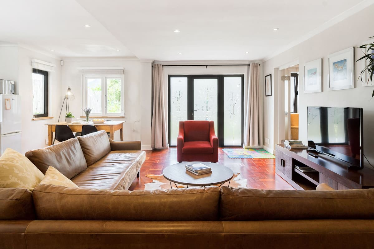Spacious, Child-Friendly Tamboerskloof Apartment