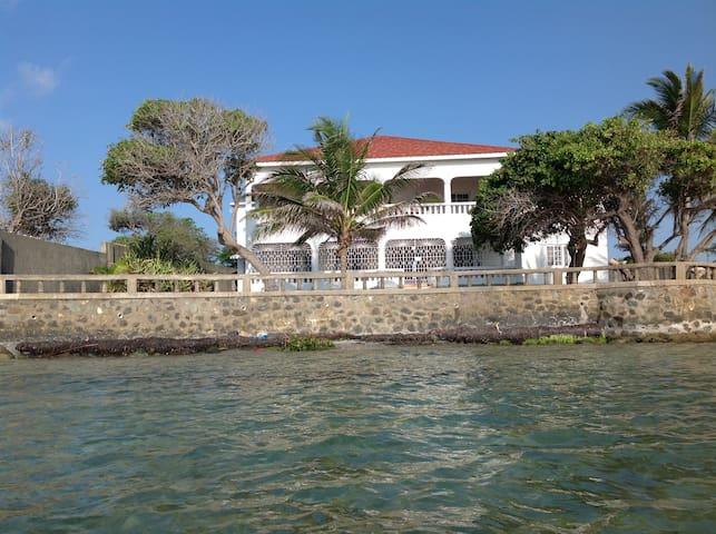 Seashells Beach House - Morant Bay - Huis