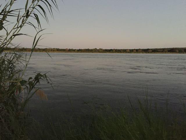 Lechwe Swala campsite, Lower Zambezi