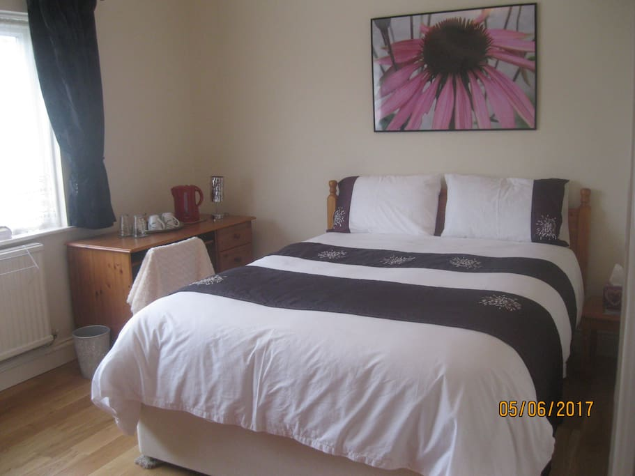 Spacious king size bed