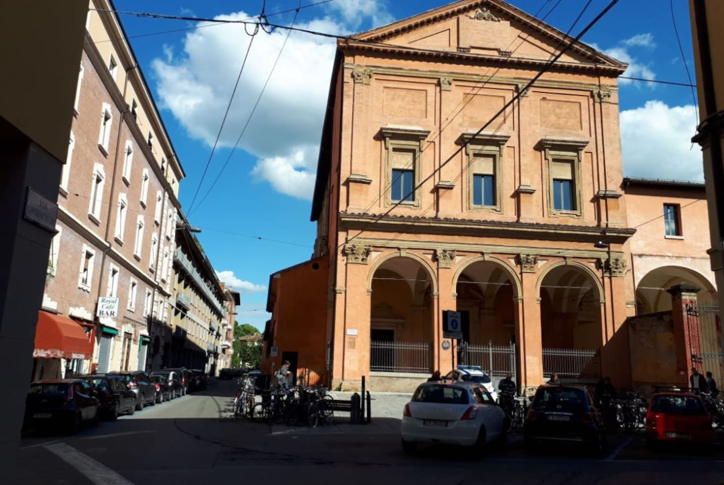 Just 1' from the appartement, the beautifl Academy of Fine Arts. Our street is residential, quiet and full of beautiful historical buildings such as this. There is, also, an espresso coffee place, just across the street, as well as all the amenities