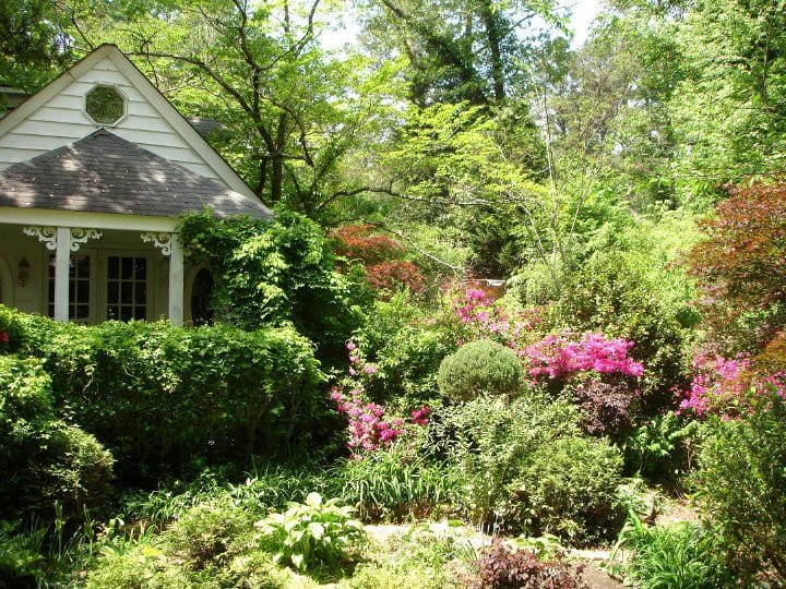 Beautiful Garden Cottage