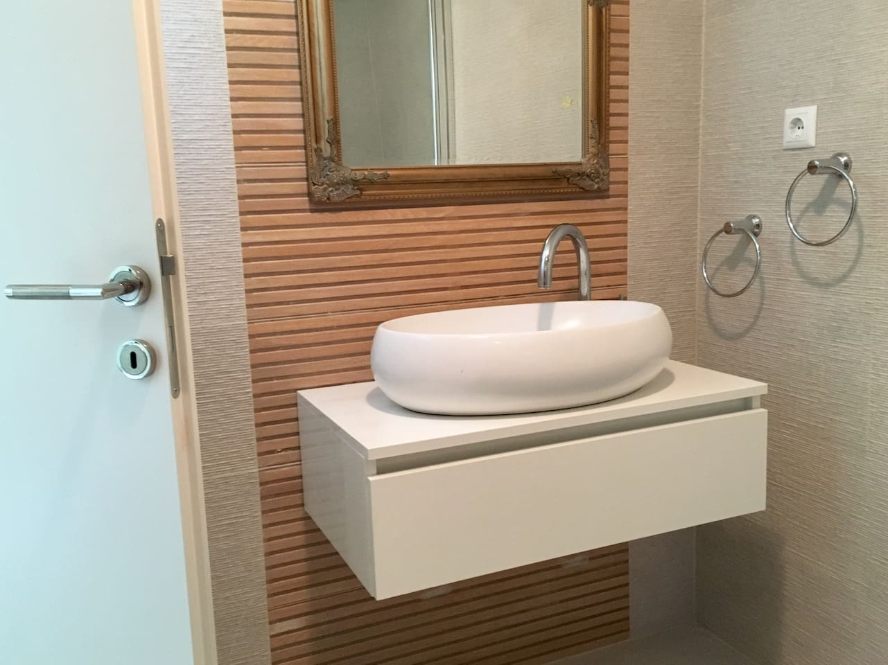 Brand new bathroom installed in May 2019. It also features a large shower and and a washing machine.