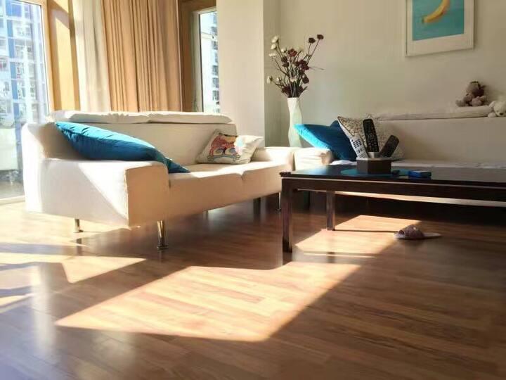 星海老虎滩付家庄6-10人套房180平米,安静无坡24小时安保。旅行购物方便!
