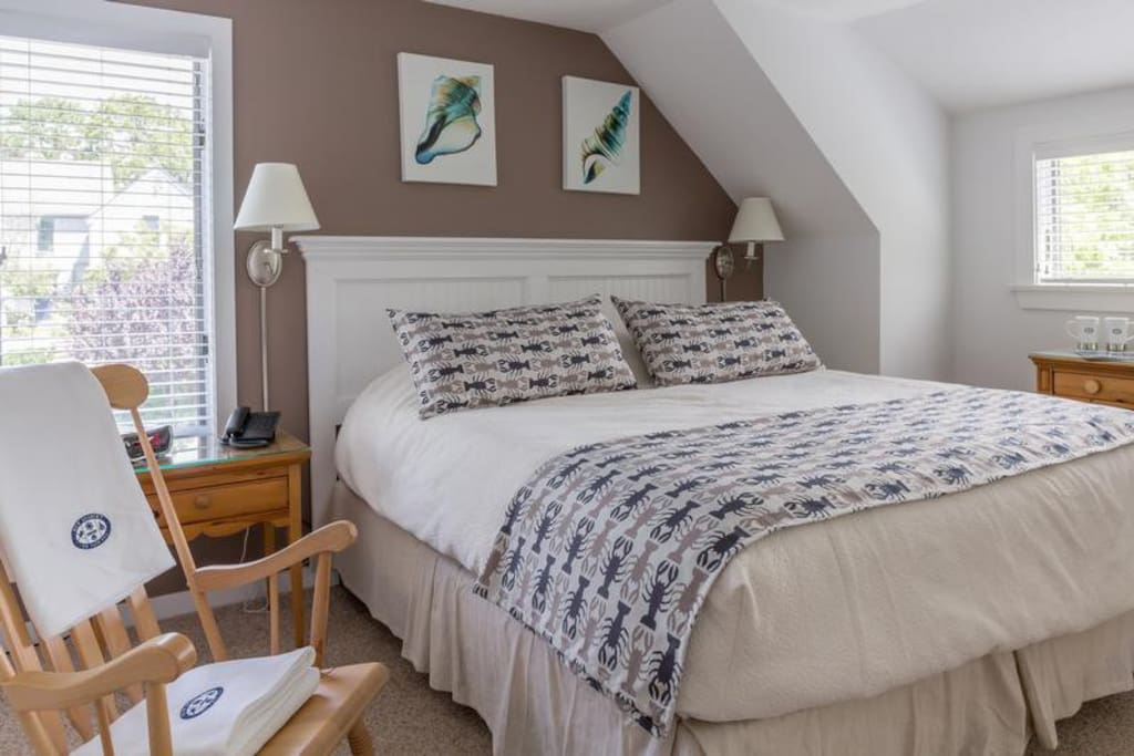 King Bed - Bedroom # 1 - all Linens included