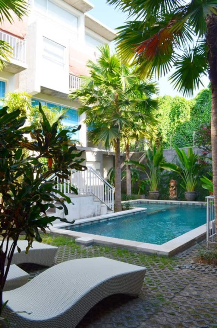 A Loft Apartment 7 w/ shared pool in Denpasar