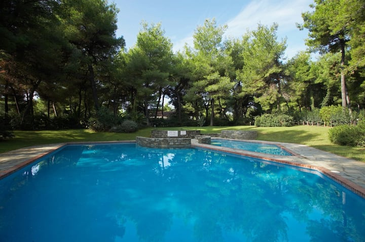 Sani Seaside Luxury - Villa Thalia Private Retreat