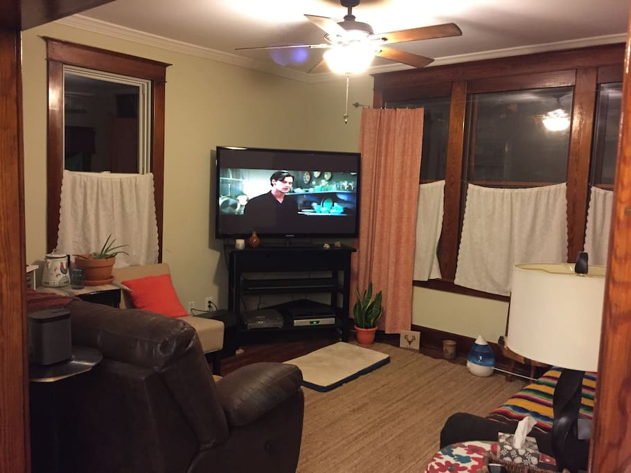 We love our cozy living room. Equipped with a spectacular surround sound, cable, records, and netflix or DVDs