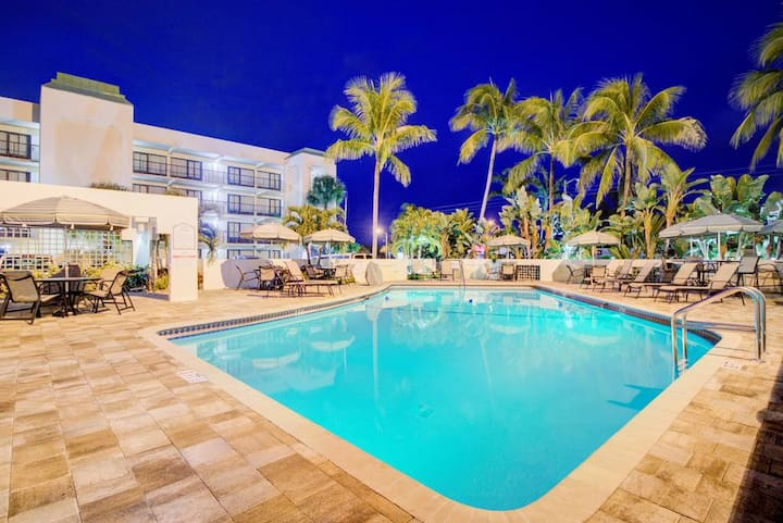 Beautiful Boca Plaza Hotel, Royal Palm Suite