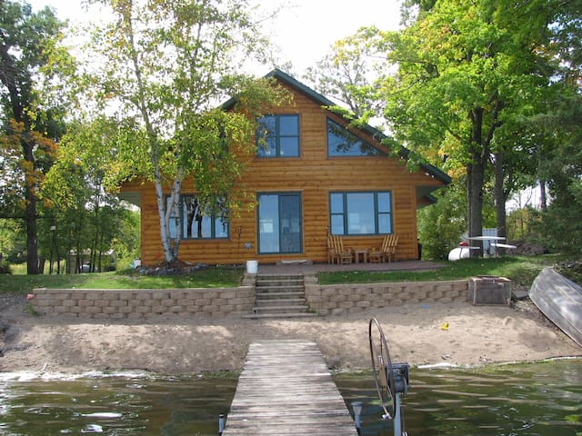 Lakefront Cabin on Clearwater Lake w/ Great Views!