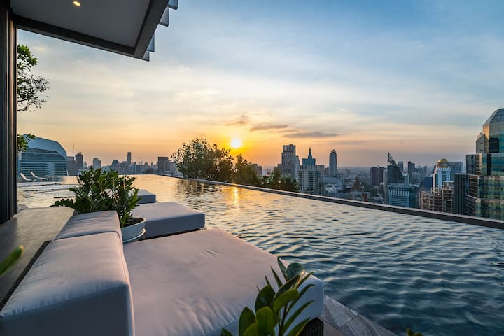 Center luxury BTS Erawan rooftop Pool free pickup