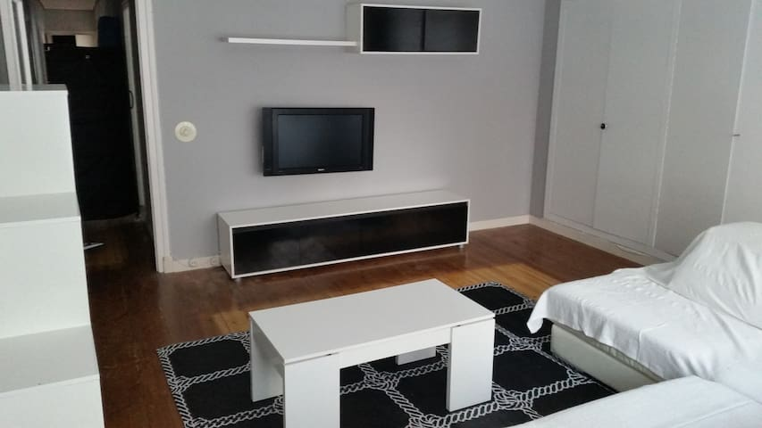 Amplio y centrico piso en Santoña. - Santoña - Ev