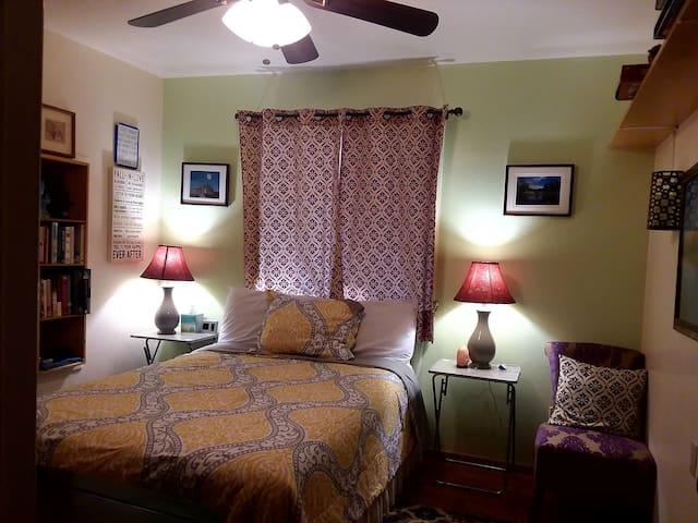 Economy Room Full size Bed