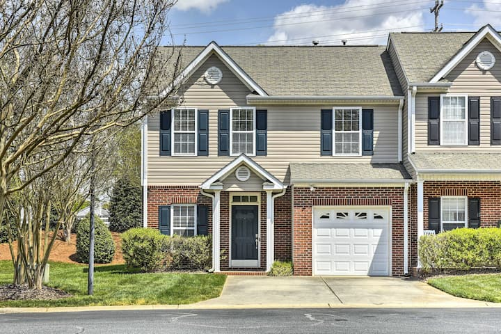 NEW! Inviting High Point Townhome w/ Patio+Privacy