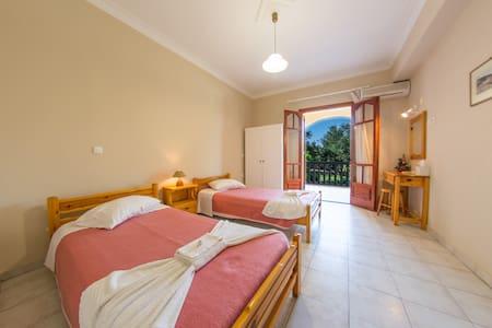 Standard Triple Room - Apartment