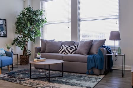 Chic 1br Apt   Heart of Downtown
