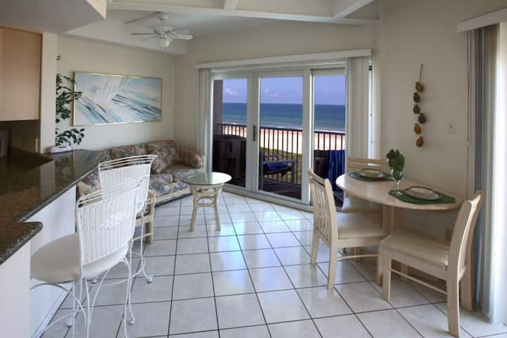 Aquarius 405 - Entire Condo Located on the 4th Floor, Premier Location, Panoramic Ocean Views