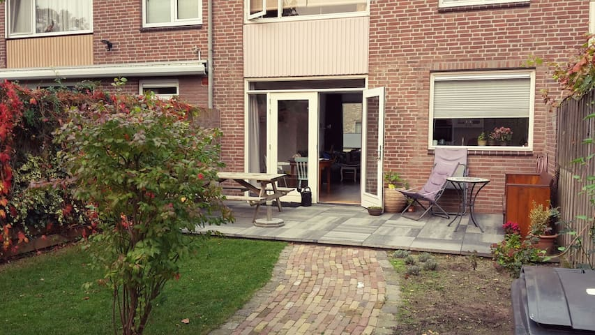 Completely renovated familyhouse Eindhoven centre