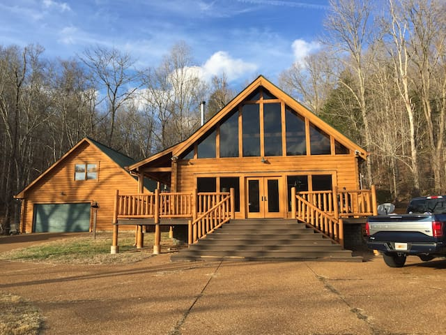 Leiper's Fork Cabin / Franklin, TN / Sleeps 2-13 - Franklin - Cabin