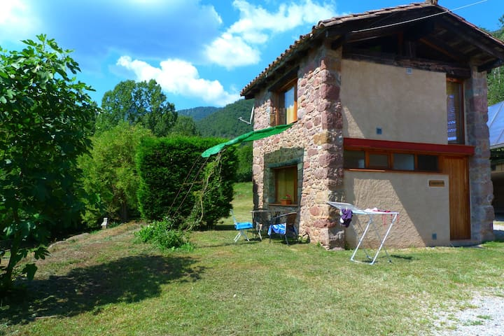 House for 2 persons with community pool near Olot surrounded by nature