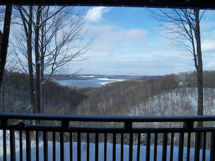 'See Forever' Fantastic view of Lake Bellaire and Beyond