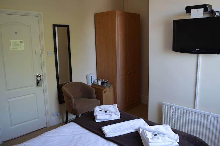 Comfort (Budget) Double En-suite