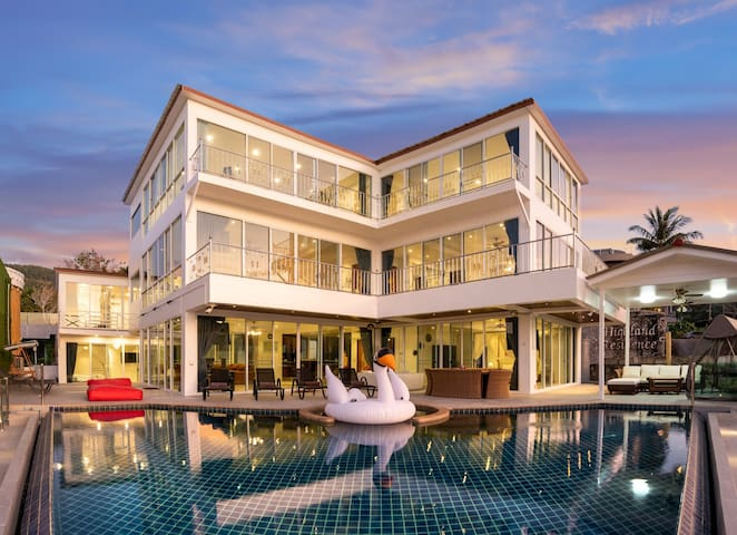 NEW infinity pool villa sea view Patong Beach 5bd.