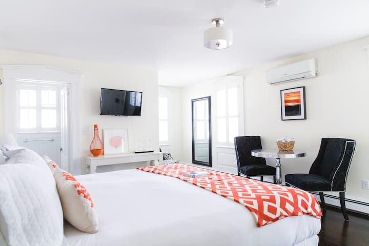 Rare Boutique Inn | Deluxe room