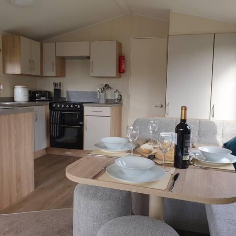 SunSet View - Dog Friendly, Caravan, Kippford Bay