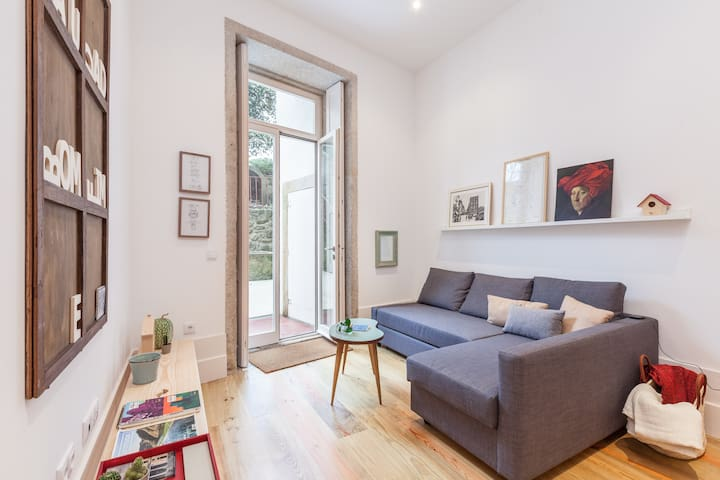 Charming Apartment Garden next Downtown - Porto - Apartment