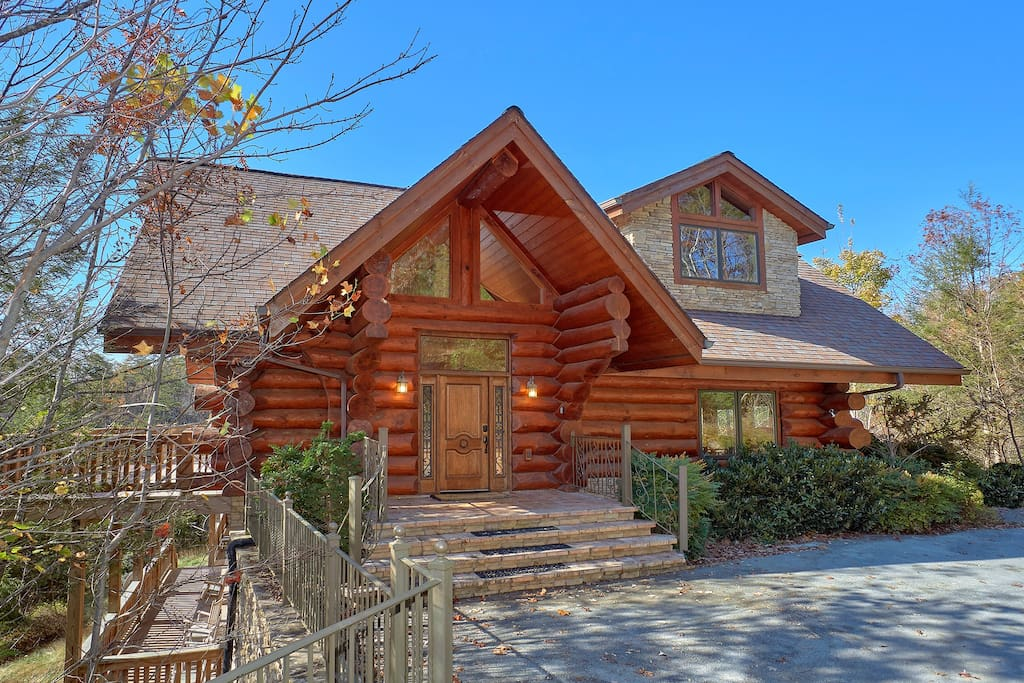 Our cabin is much bigger than it looks (over 5500 sq feet & 7 bedrooms!) and has plenty of parking!