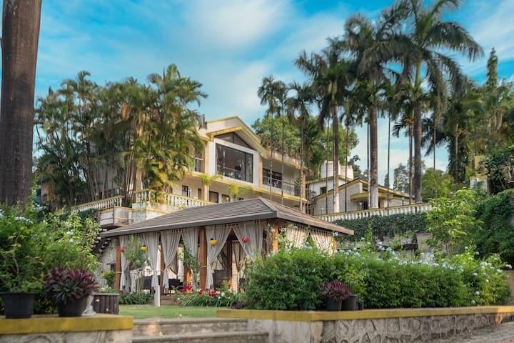 Myna Villa, Luxury & Tranquility