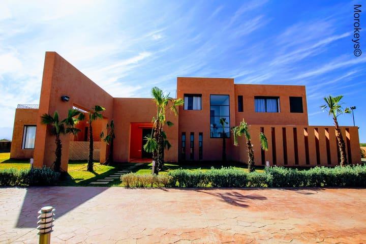 Magnifique Villa Architecte avec Piscine Chauffée