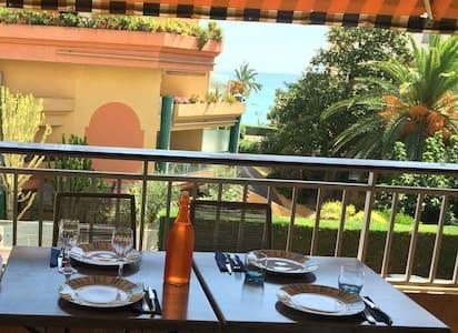 Apartment 8 people 150m from beach, quiet, parking - Roquebrune-Cap-Martin - วิลล่า