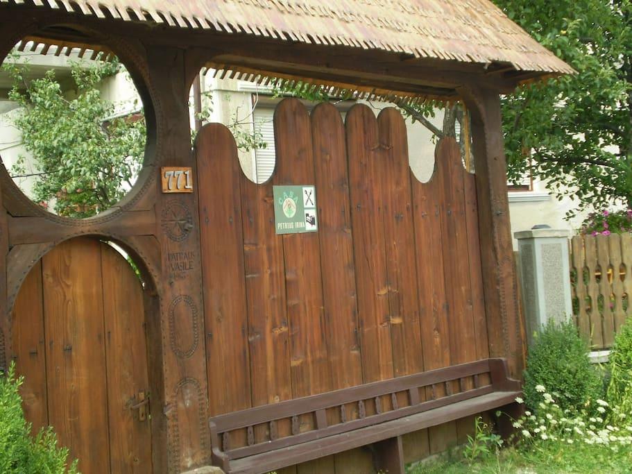 B&B Botiza - Entrance door