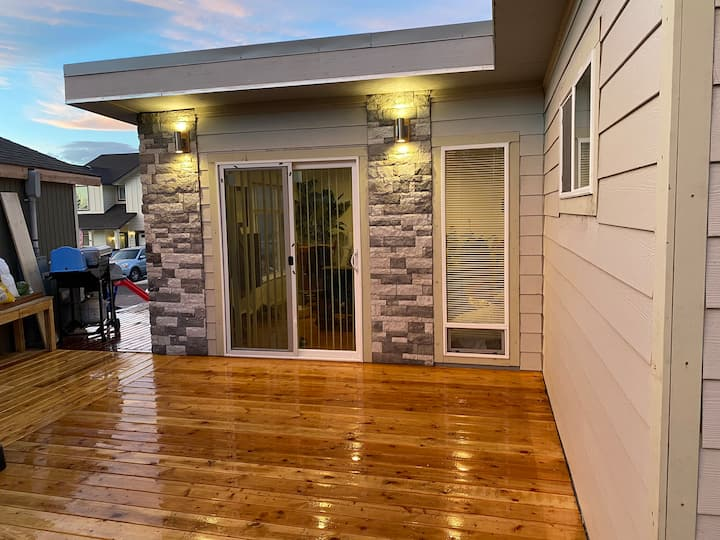 Newly listed modern 800 ft guest house.