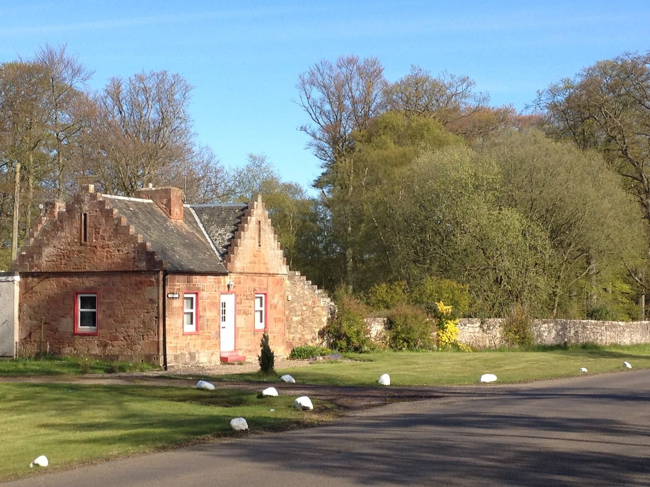 Exterior view of the West Lodge from the Arbroath St Vigeans road