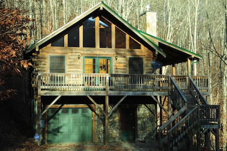 Log Cabin Retreat in the Smoky Mountains - 매기 밸리(Maggie Valley)
