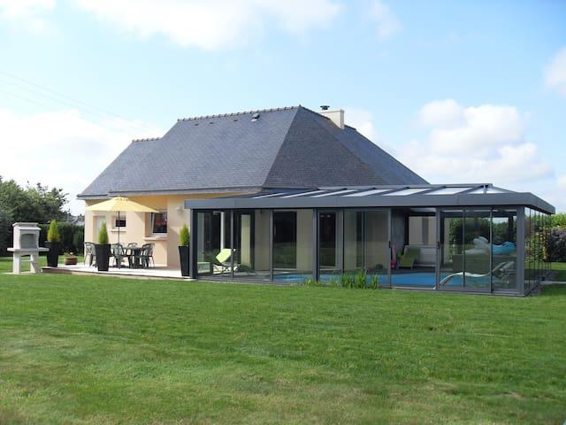 Maison avec piscine et spa a la campagne - Kersaint-Plabennec - Hus