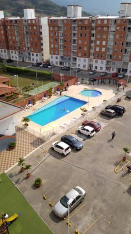 Zona social, piscina.