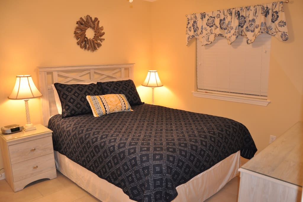 Queen bed that is brand new and super comfortable!