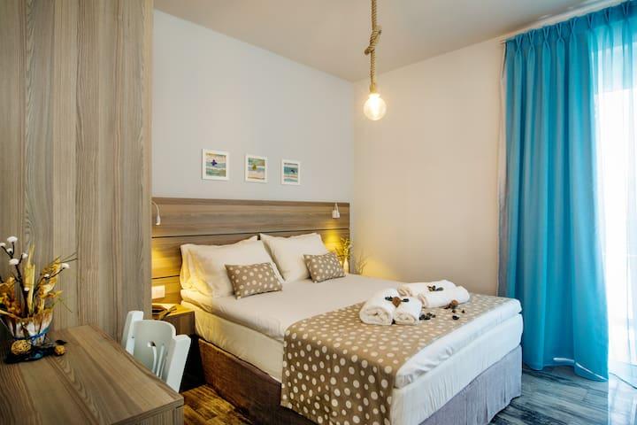 IRIDA Luxury Apartment in the centre of Plakias