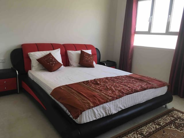 Spacious 1BR w/SPA & King Bed-5min to Grand Mosque