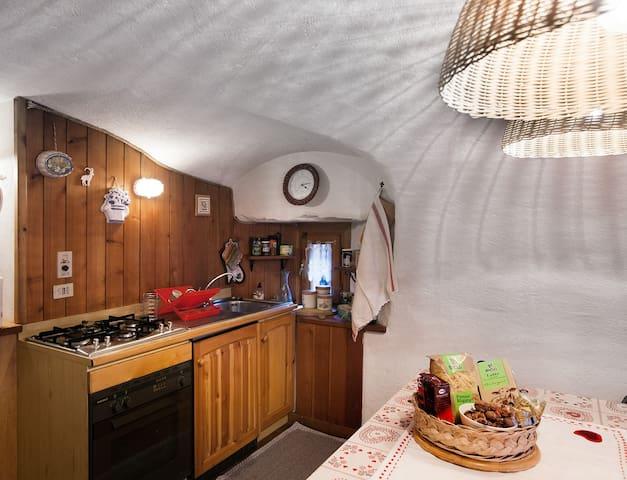 Maison Carré - Carrè - Blockhütte