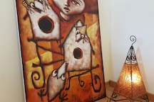 Die Gemälde im Haus sind Leihgaben befreundeter kubanischer Künstler.