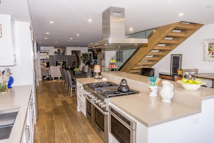 Kitchen area equipped with state-of-the-art appliances