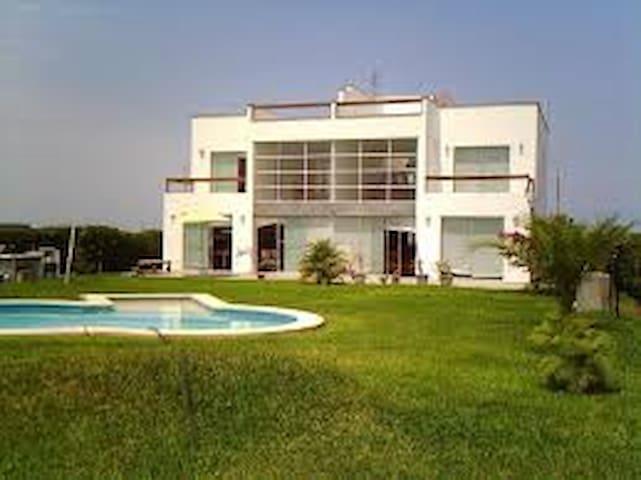 Casa en Costa del Campo, se alquila por días