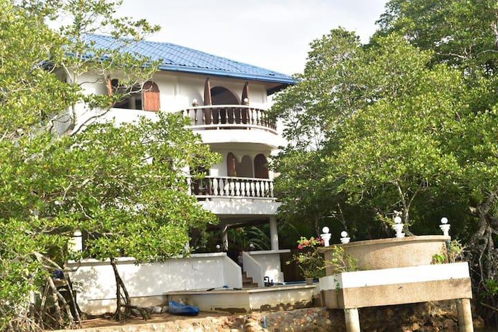 Luxury Home in Busuanga Coron Palawan