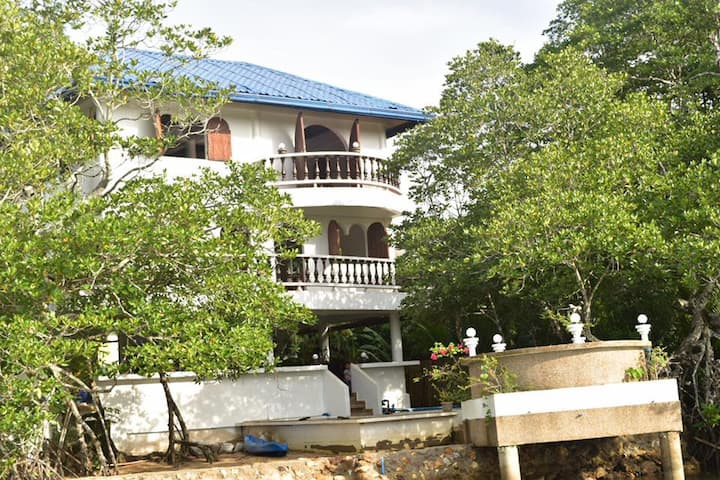 Luxury Home in Busuanga Coron Palawan